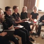 Poranek z poezją w klasie 7b (4.10.2021)